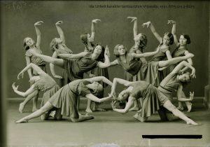 Naesterahwa töö ja elu. Eesti naise elupilte 1920.-1930. aastaist