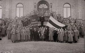 Keerdkäigud. Eesti iseseisvumine 1917-1920