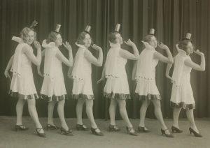 Paide tantsuõpetaja Schwartzi tantsurühm