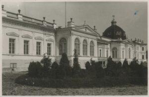 Eluolu mõisates 19. sajandil